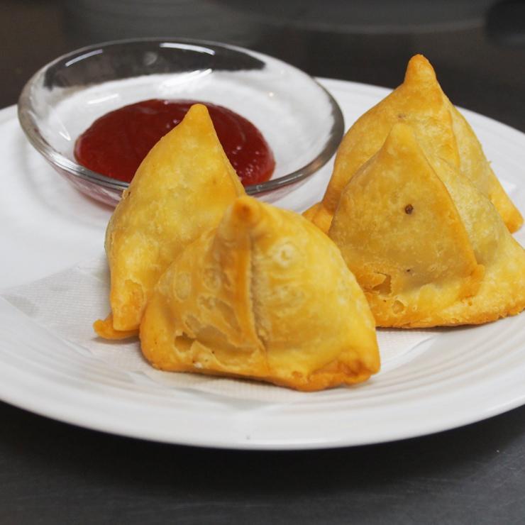 奈良王寺の本格インド料理 Mayur -マユール- ミニサモサ